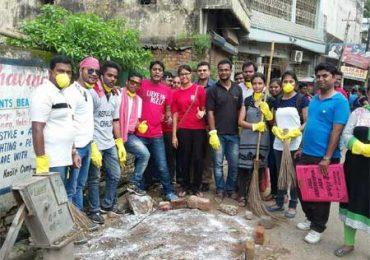 जमशेदपुर में रेड एफ ऍम 93.5 ने चलाया स्वच्छता अभियान और शहर के साथ साथ बदली रेलवे स्टेशन की सूरत