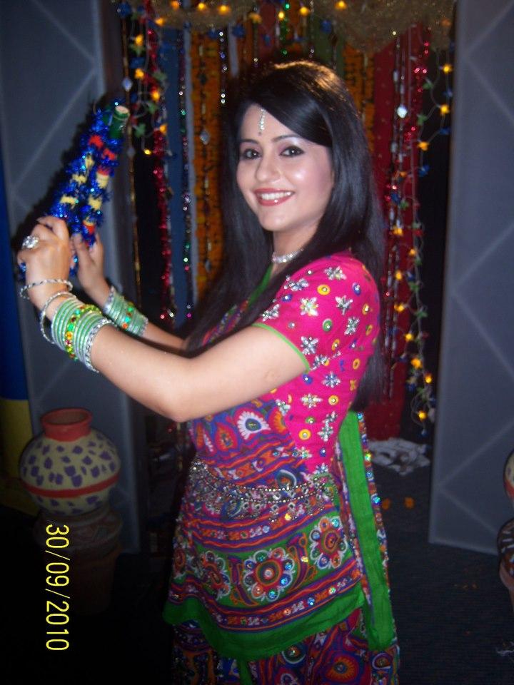 Charul Malik anchor