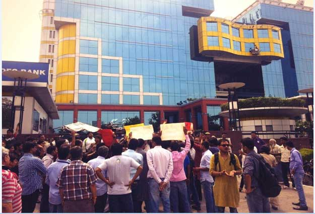 cnn-ibn-protest6
