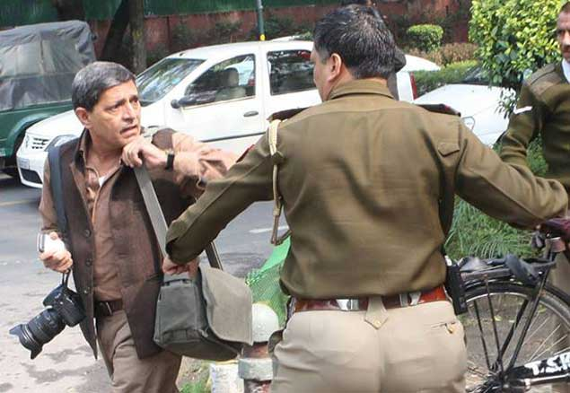 photo-journalist-delhi-poli