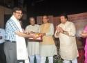 शिवराज सिंह चौहान ने बालेन्दु दाधीच को किया सम्मानित