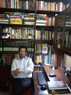 किताबों के शौकीन अजय एन झा