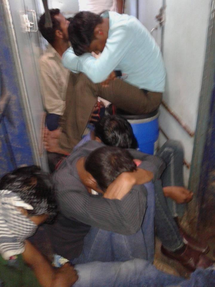 गरीब तो गरीब-खाते-पीते लोग भी ट्रेन में यात्रा नहीं कर पा रहे - बिहार्र जाने वाली ट्रेन का बुरा हाल
