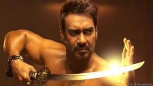 अजय देवगण की फिल्म एक्शन जैक्शन देखिए मगर जरा संभलकर