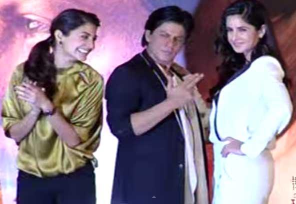 पत्रकार ने फिल्म के बारे में पूछा तो शाहरुख खान करने लगे खिंचाई