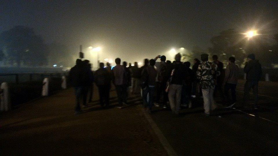 इंडिया गेट पर भागम-भागी की नौटंकी !